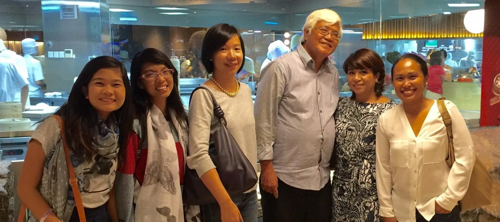 rinalyn-and-gabrielle-with-tony-meloto-and-friends-from-singapore