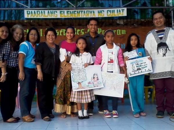 pinay-and-proud-sabrina-ongkiko-with-students